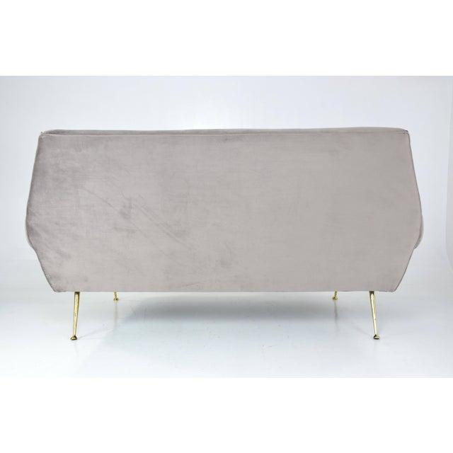 Gold Italian Mid-Century Modern Velvet Sofa by Gigi Radice for Minotti, 1950s For Sale - Image 8 of 13
