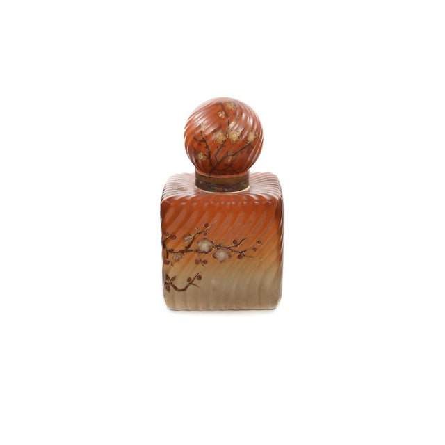 19th century Painted Porcelain Inkwell bottle - Rare A beautiful piece that will add to your décor!