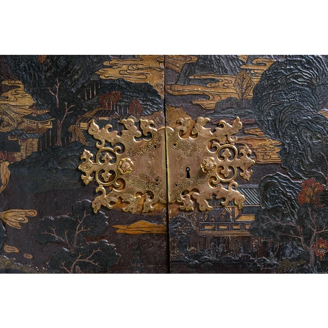 Chinese lacquered cabinet on stand For Sale - Image 4 of 11