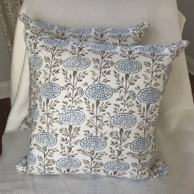 """2010s Lisa Fine """"Samode"""" Linen Pillows- a Pair For Sale - Image 5 of 5"""