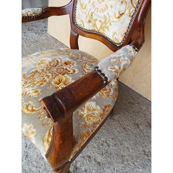 Antique Elegant French Louis XV Style Original Floral Upholstery Walnut Armchair For Sale - Image 12 of 13