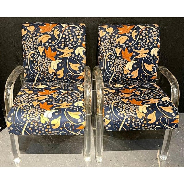 Mid-Century Modern Set of Four Chairs, Tubular Lucite Frames For Sale - Image 12 of 13