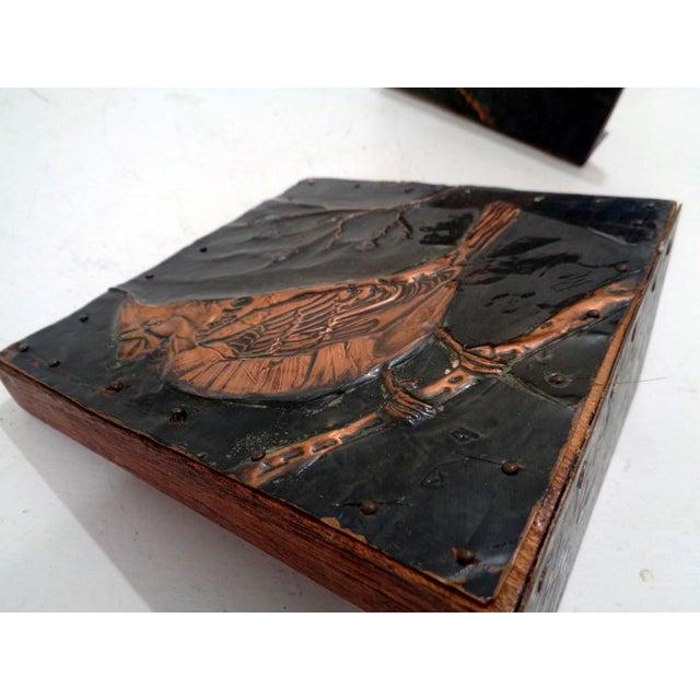 Mid 20th Century Antique Vintage Arts & Crafts Copper Cardinals Birds Folk Art Bookends For Sale - Image 5 of 12