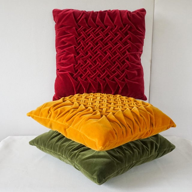 Velour Lattice Pattern Pleated Pillows - Set of 3 For Sale In Pittsburgh - Image 6 of 9