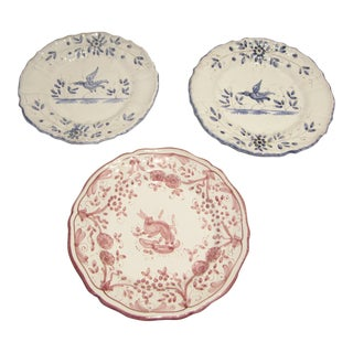 Pink & Blue Wall Plates - Set of 3 For Sale