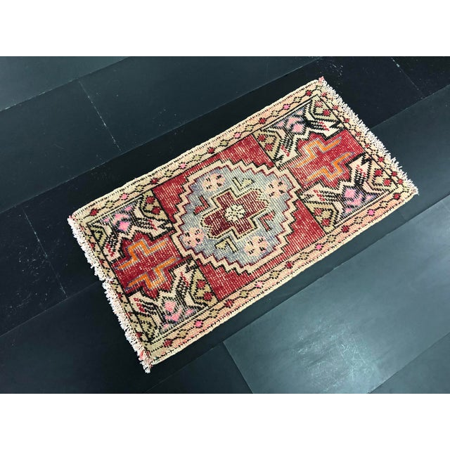 Boho Chic Faded Oushak Distressed Turkish Vintage Small Rug 1′7″ × 2′11″ For Sale - Image 3 of 6