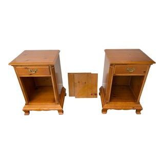Drexel Heritage Chippendale Cherry Wood Nightstands - a Pair For Sale