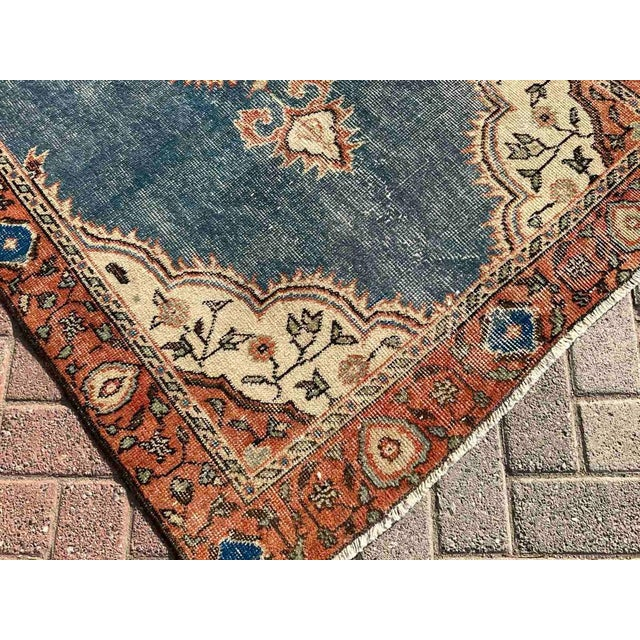 Vintage Hand Knotted Turkish Area Rug For Sale - Image 4 of 10