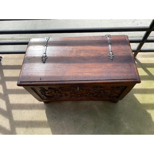 Traditional Late 18th Century Italian Carved Trunk Miniature For Sale - Image 3 of 13