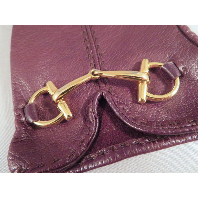 Gucci Vintage Gucci Leather and Gold Horse Bit Driving Gloves For Sale - Image 4 of 10