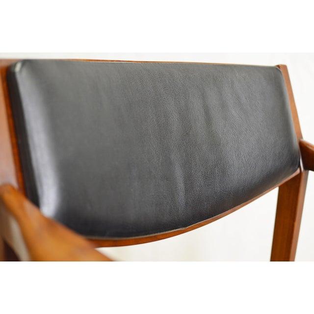 Vintage Teak Black Leather Gunlocke Chair For Sale In New York - Image 6 of 10
