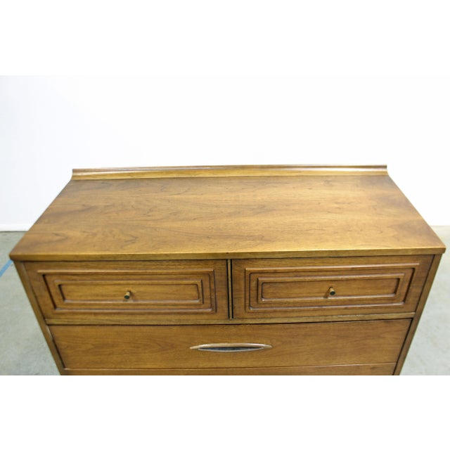Mid-Century Modern Broyhill Premier Sculptra Tall Chest of Drawers For Sale In Philadelphia - Image 6 of 13