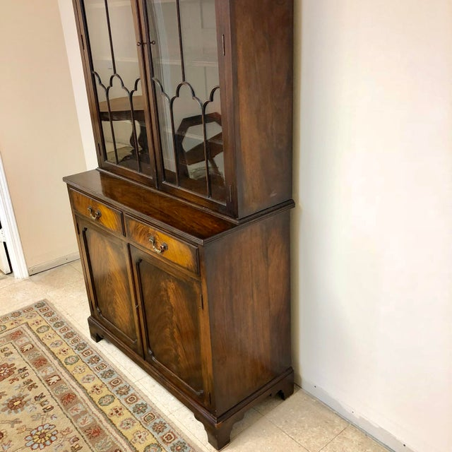 1900s Georgian Stepback Chippendale Bookcase Cabinet For Sale - Image 5 of 12