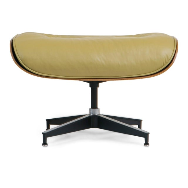 Early Production Model 670/671 Lounge Chair & Ottoman by Charles & Ray Eames For Sale - Image 9 of 13