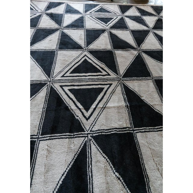 Black Moroccan Geometric Triangles Wool Rug - 9′ × 12′ For Sale - Image 8 of 11