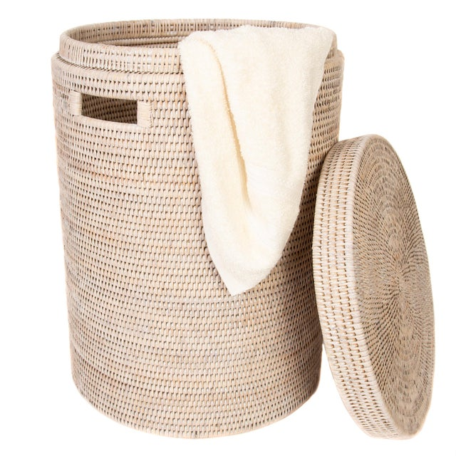 2010s Artifacts Rattan Round Hamper with Cotton Liner For Sale - Image 5 of 7