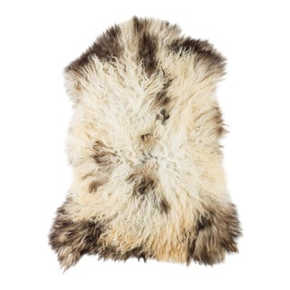 "Contemporary Natural Wool Sheepskin Pelt - 2'4""x3'4"" For Sale"
