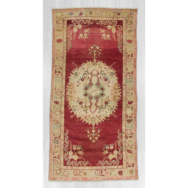 Handknotted vintage rug from Oushak region of Turkey.Approximatelly 45-55 years old.In very good condition