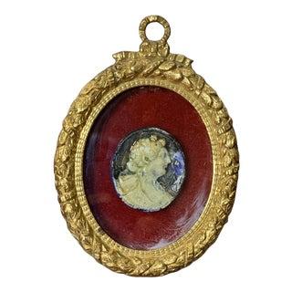 Italian Neoclassical Glazed Cameo in Gided Metal Frane For Sale