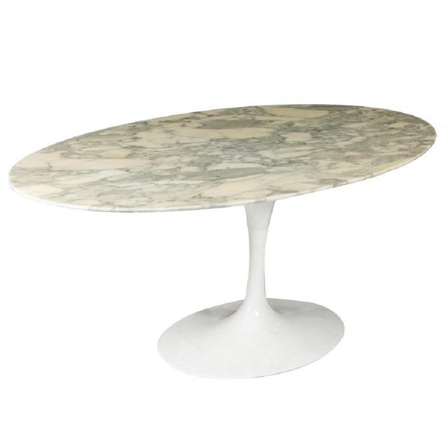 1970s Carrara Marble Top Dining Table by Eero Saarinen For Sale - Image 5 of 5