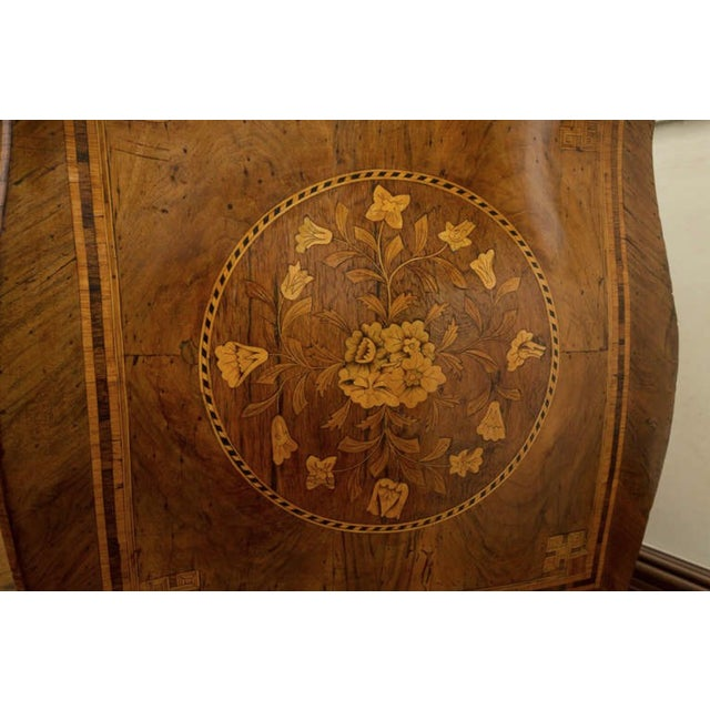 Wood 18th Century Inlaid Italian Commode With Bombe Shape and Dutch Marquetry For Sale - Image 7 of 11