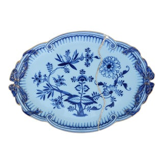 19th Century Meissen Blue Onion Tray With Gold Mended Repair For Sale
