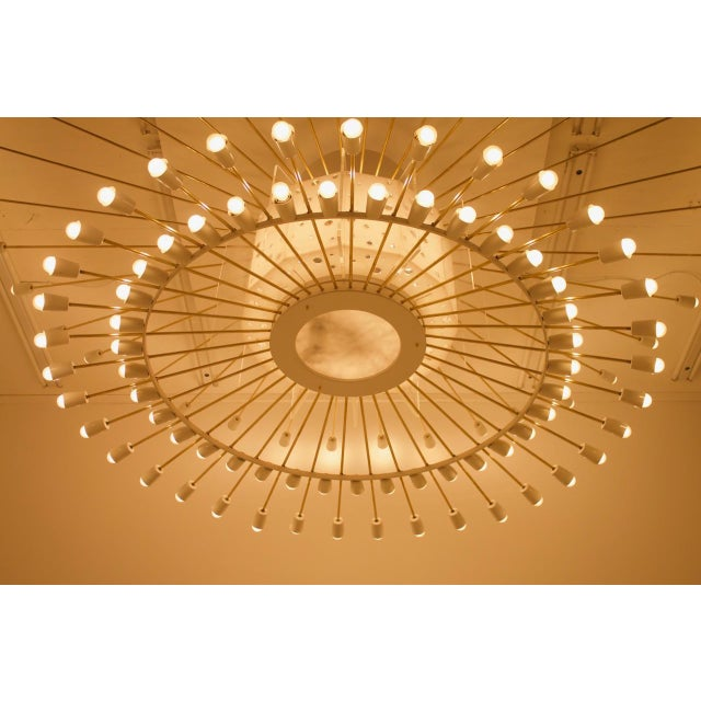 Spectacular Giant Sputnik Ceiling Lamp With 132 Bulbs in Brass, Lucite & Metal, 1950s For Sale - Image 10 of 13
