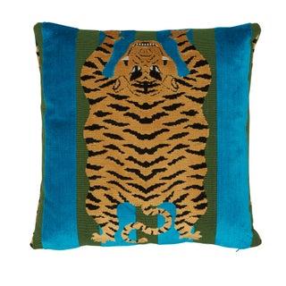 Contemporary Schumacher X Johnson Hartig Jokhang Tiger Velvet Pillow in Peacock & Olive Preview