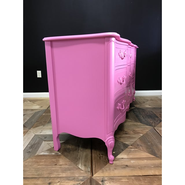 Dixie 1960s Dixie French Provincial Pink Triple Dresser For Sale - Image 4 of 9