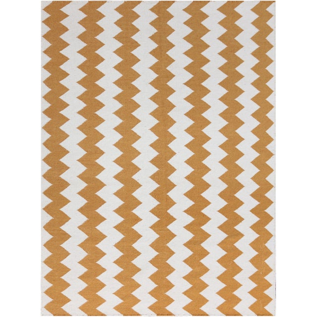 Zara Chevron Orange Flat-Weave Rug 5'x8' For Sale - Image 4 of 4