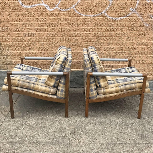 Harvey Probber Mid-Century Modern Harvey Probber Style Upholstered Club Chairs- A Pair For Sale - Image 4 of 11