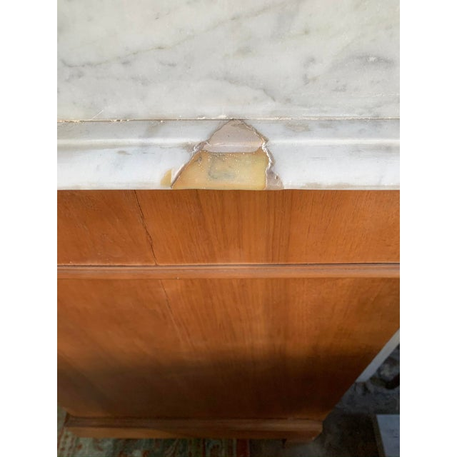 Brass Late 19th Century Victorian Marble Top Chest Of Drawers With Mirror For Sale - Image 8 of 10