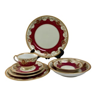 """1950s Meito Hand Painted China """"Mandarin Maroon"""" Service for 12 - Set of 86 For Sale"""