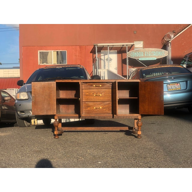 Art Deco 19th Century English Welsh Oak Sideboard For Sale - Image 3 of 9