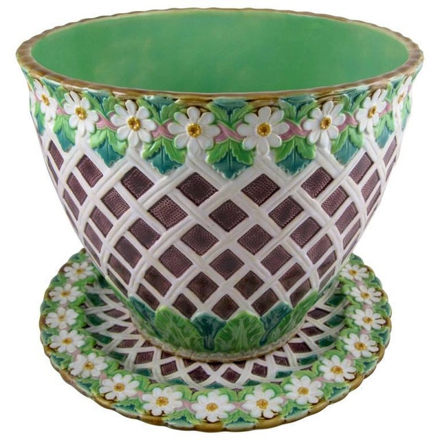 19th C. Minton Majolica Daisy & Trellis Jardinière on Stand For Sale - Image 11 of 11