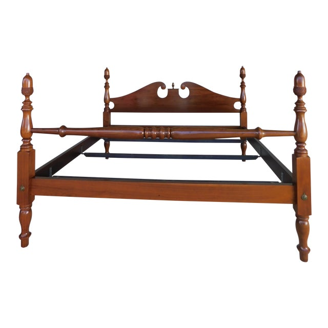Suter's Reproductions Acorn Poster King Size Bed For Sale