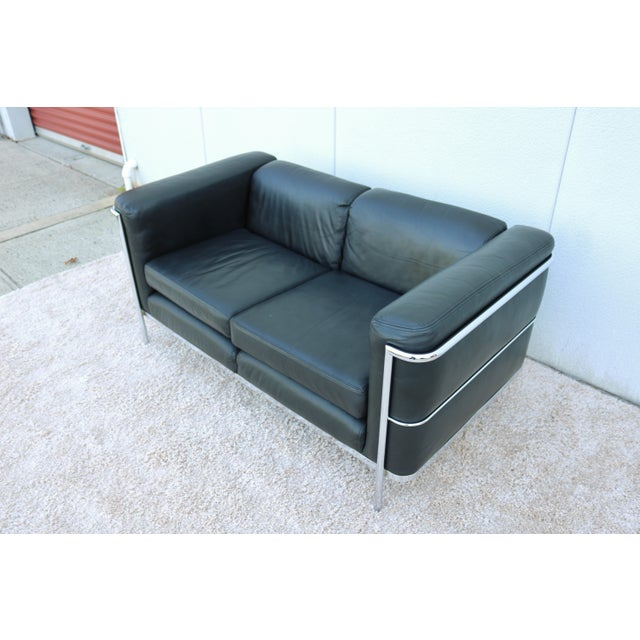 Jack Cartwright 1980's Le Corbusier LC2 Jack Cartwright Black Leather Loveseat For Sale - Image 4 of 13