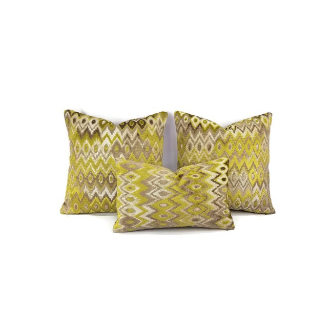 Contemporary Kravet Couture Modern Contrast Quince Lumbar Accent Cover For Sale - Image 3 of 5