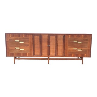 Mid Century Modern American of Martinsville Dresser For Sale