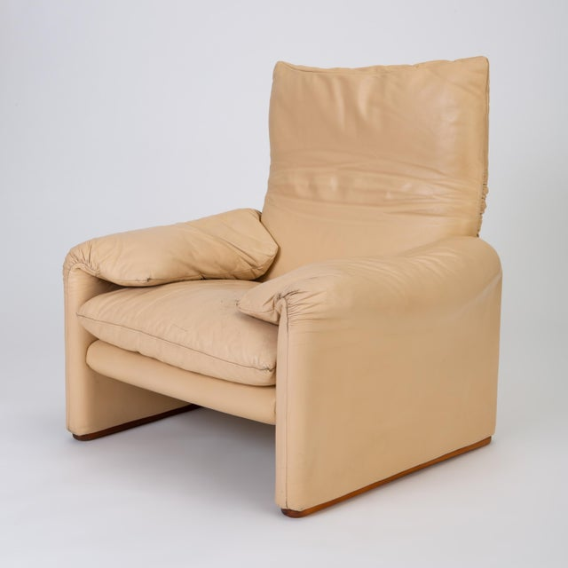 "Mid-Century Modern Leather ""Maralunga"" Chair by Vico Magistretti for Cassina For Sale - Image 3 of 13"