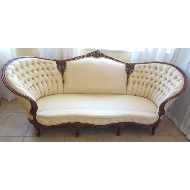 Late 19th Century French Louis XV Baroque Style Walnut and Button Upholstered Settee For Sale - Image 5 of 12
