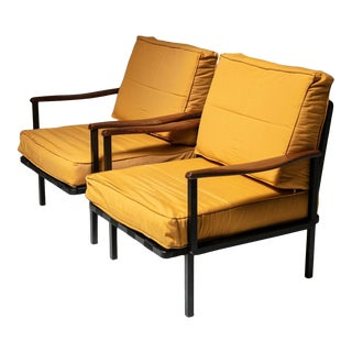 Rare Pair of Lounge Chairs Model P24 by Osvaldo Borsani for Tecno For Sale