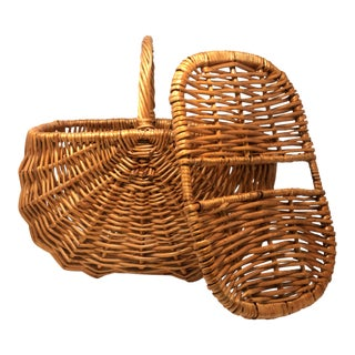Vintage Wicker Picnic Basket For Sale