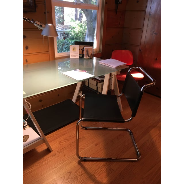 Art Deco Mid-Century Modern Breuer Spoleto Black Leather & Cantilevered Tubular Chrome Dining Chair For Sale - Image 3 of 6