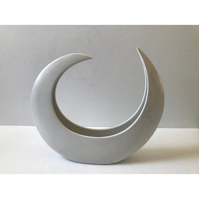 White Crescent Shaped Vessel - Image 3 of 8