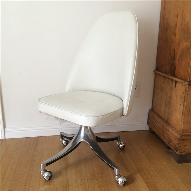 Vintage Chrome & White Pleather Office Chair - Image 2 of 7