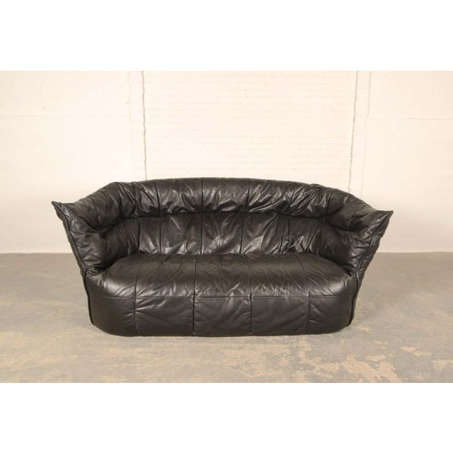 French Mid-Century Modern Design Black Leather Soft Shell Sofa for Ligne Roset, 1970s For Sale - Image 3 of 9