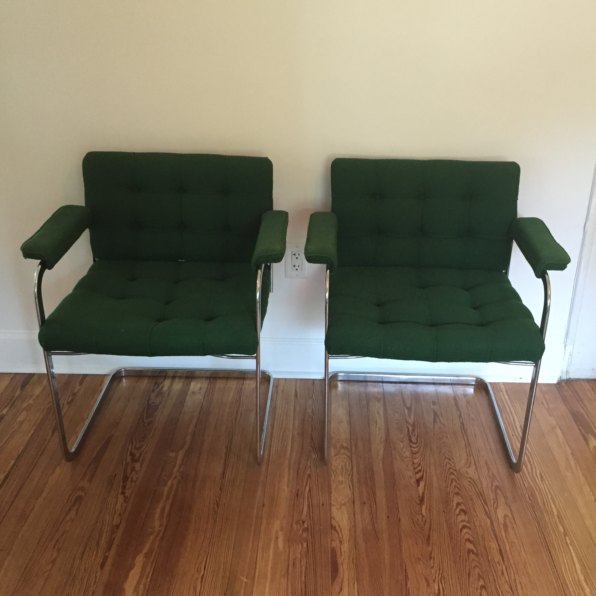 Standig Mid Century Emerald Chairs   A Pair   Image 2 Of 10
