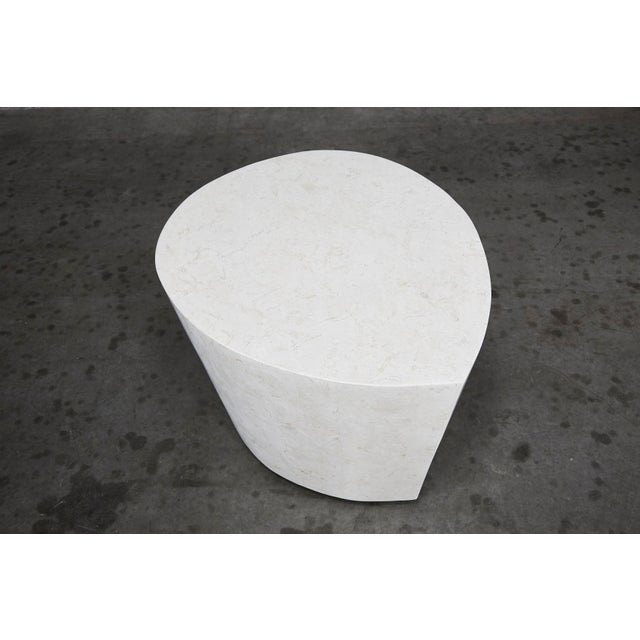 """White 1990s Contemporary White Freeform Tessellated Stone """"Hampton"""" Side Table For Sale - Image 8 of 13"""