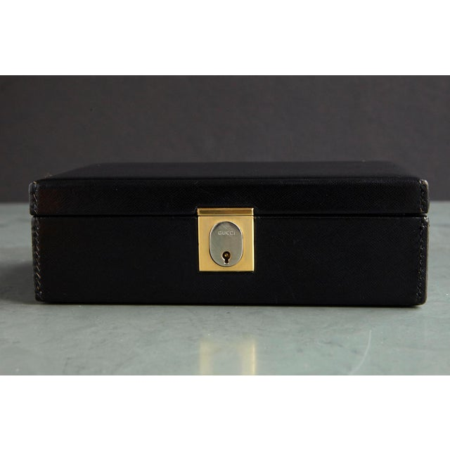 1980s Gucci Black Leather and Red Velvet Jewelry Box From the Collection of Ann Turkel For Sale - Image 5 of 13